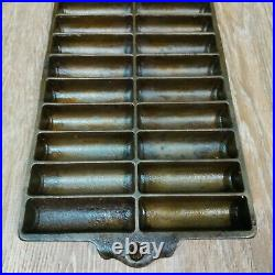 Rare Vintage Favorite-Piqua-Ware Cast Iron Corn Bread Stick Pan 22 slots